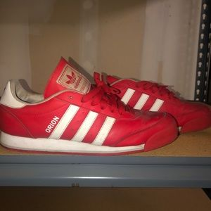 Adidas- Classic Orion Tennis shoes